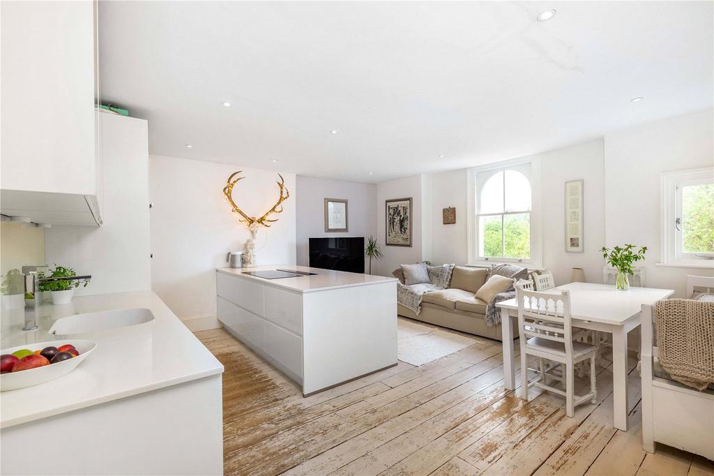 Image 1 of 16 : Kitchen/ Living Room