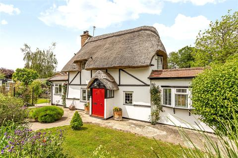 3 bedroom character property for sale - Manor Road, Oakley, Aylesbury, Buckinghamshire, HP18