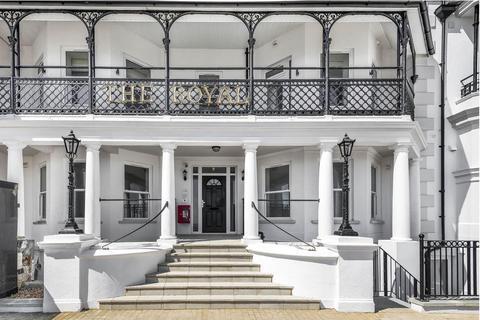 2 bedroom apartment for sale - The Royal, The Esplanade, Bognor Regis, PO21