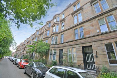 3 bedroom flat for sale - 1/2, 31 Barrington Drive, Woodlands, G4 9DS