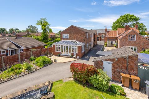 6 bedroom detached house for sale - High Street, Swinderby, LN6