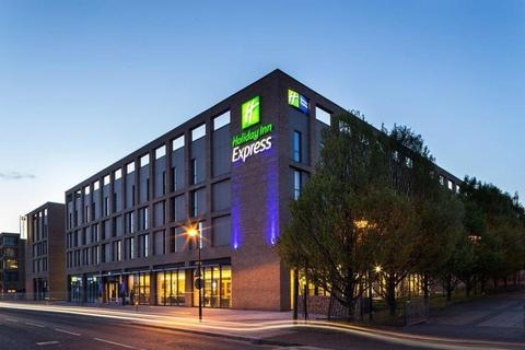 1 bedroom hotel room for sale - Holiday Inn Express, London E16