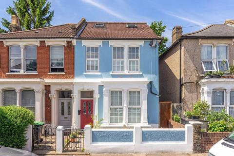 5 bedroom semi-detached house to rent - Vicarage Road, London, N17