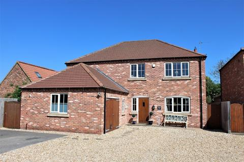 4 bedroom detached house for sale - Church Lane, Saxilby