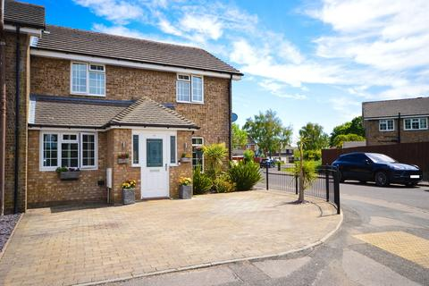 4 bedroom semi-detached house for sale - Heather Close, Bournemouth