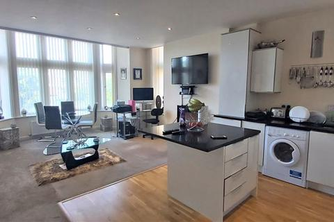 2 bedroom apartment to rent - Lord Street, Southport
