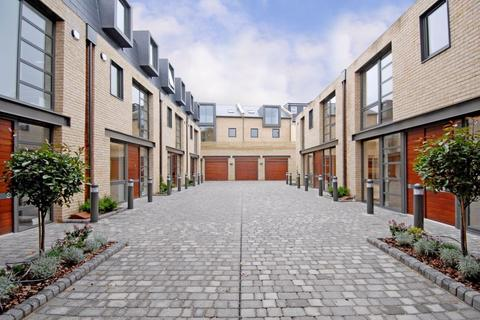 4 bedroom terraced house for sale - Frederick Place, N8