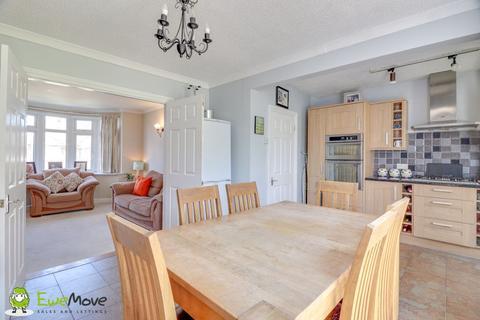 3 bedroom semi-detached house for sale - Walcot Avenue, Luton LU2 0PR