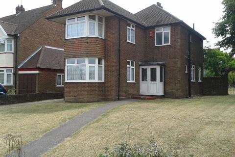 3 bedroom detached house to rent - Dunstable Road