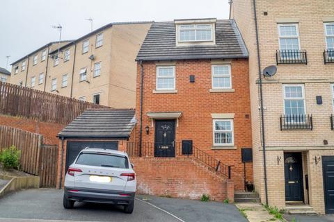 3 bedroom townhouse to rent - Vienna Court, Morley, Leeds