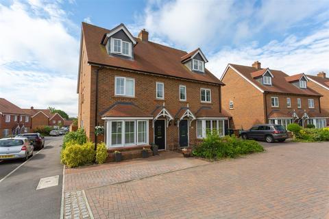 4 bedroom semi-detached house for sale - Preston Manor Road, Tadworth