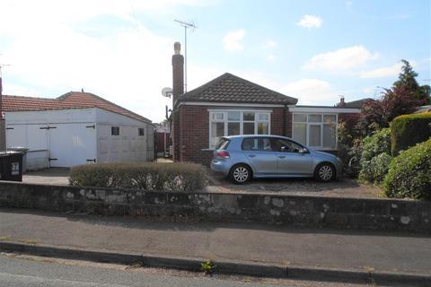 2 bedroom detached bungalow for sale - Cheltenham Crescent, Crewe