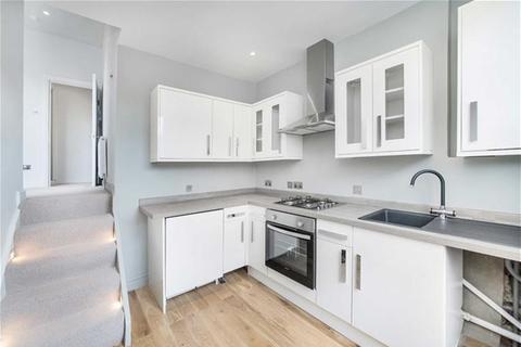 Studio to rent - Netherwood Road, LONDON