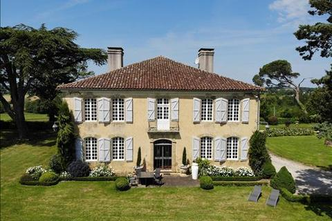 6 bedroom farm house - 32190 Vic Fezensac, Gers, Midi-Pyrenees, France