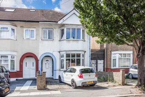 3 bedroom semi-detached house for sale - Cantley Gardens, Newbury Park, IG2