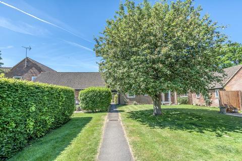 2 bedroom flat for sale - Penn / Tylers Green Borders,  Buckinghamshire,  HP10
