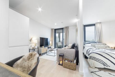 Studio to rent - Pinnacle House, 4 Schooner Road, Royal Wharf, London, E16