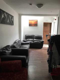 Studio to rent - Bedford Street, Roath, CF24 3BZ
