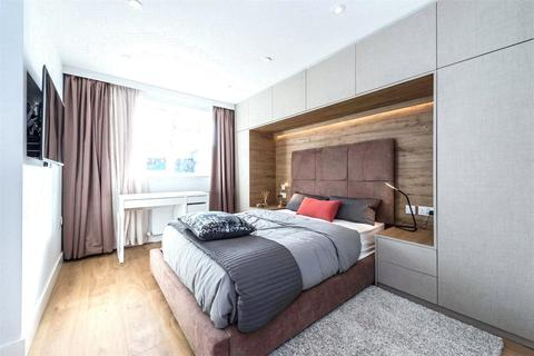 1 bedroom in a flat share to rent - Lavender Hill, London, SW11