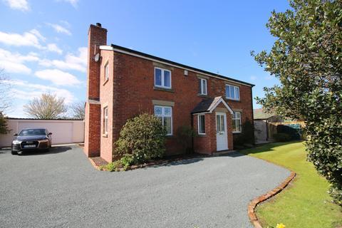 4 bedroom detached house for sale - Fleetwood Road, Esprick, Preston, Lancashire, PR4