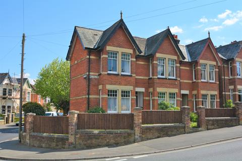 2 bedroom flat to rent - 34 Mill Hill Road, Cowes PO31