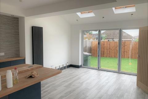 3 bedroom semi-detached house for sale - Roehampton Drive, Wigston LE18