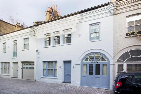 3 bedroom terraced house to rent - Roland Way, South Kensington, London, SW7