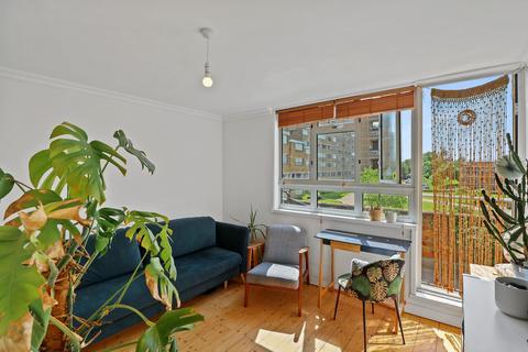 1 bedroom flat for sale - Bredinghurst, Overhill Road, London, SE22