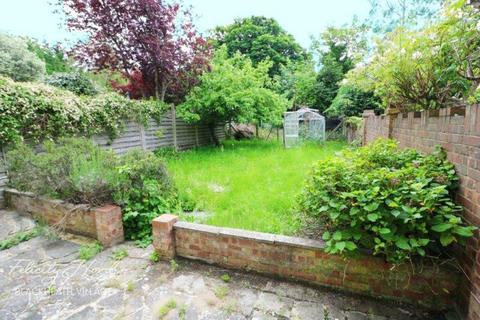 3 bedroom semi-detached house for sale - Mayday Gardens, London