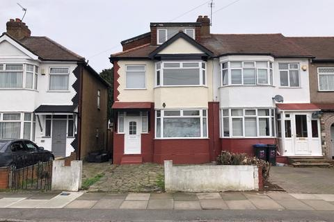 4 bedroom semi-detached house to rent - Addisson Road, Enfield