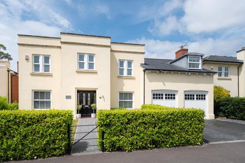 5 bedroom detached house for sale - Rowena Cade Avenue, Cheltenham, Gloucestershire, GL50