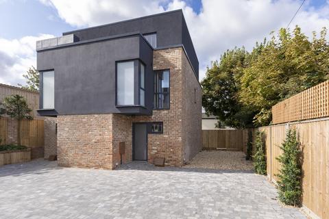 3 bedroom semi-detached house to rent - Battledown Court, King Alfred Way, Cheltenham GL52 6QP