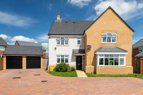 5 bedroom detached house for sale - Sparrow Gardens, Lower Stondon, Henlow, Beds SG16 6GB