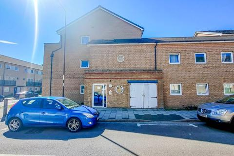 2 bedroom flat for sale - Miles Drive, West Thamesmead