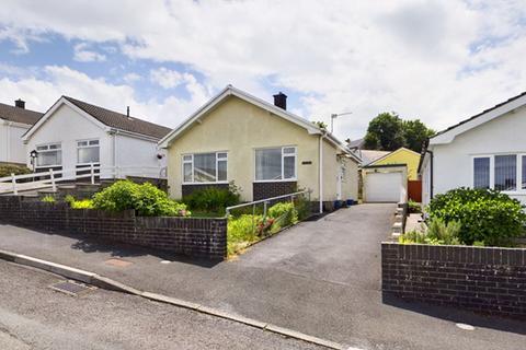 2 bedroom detached bungalow for sale - Elder Grove, Llangunnor, Carmarthen