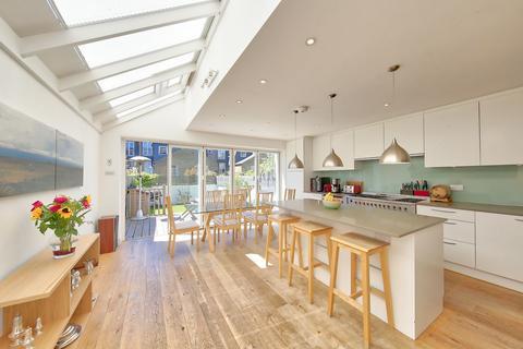 4 bedroom terraced house for sale - Hillier Road, London, SW11
