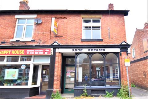 3 bedroom semi-detached house for sale - Woodfield Road, Broadheath, Altrincham, WA14