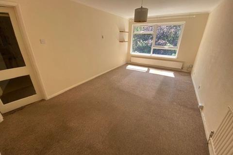 2 bedroom apartment to rent - Hillside Road, Whyteleafe