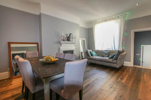2 bedroom apartment to rent - Chesham Place, Brighton