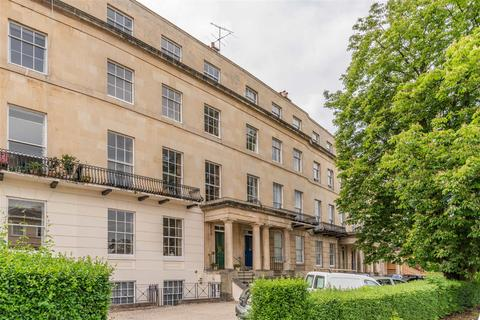 2 bedroom apartment for sale - Lansdown Crescent, Cheltenham