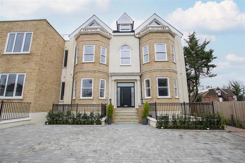 3 bedroom flat to rent - Bergamont House, Enfield