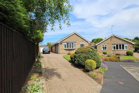 4 bedroom detached bungalow for sale - Northfield, Swanland, North Ferriby