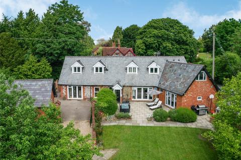 4 bedroom detached house for sale - London Road, Headbourne Worthy, Winchester, Hampshire, SO23