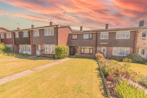 3 bedroom terraced house for sale - West Lawn, Chelmsford