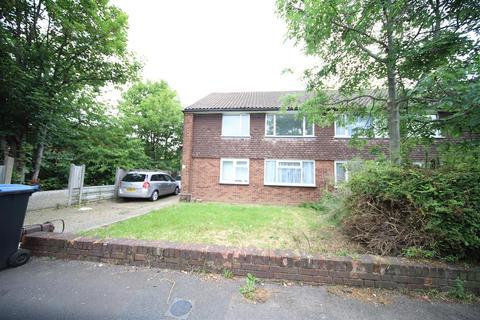 2 bedroom maisonette to rent - Westfield Close, Enfield