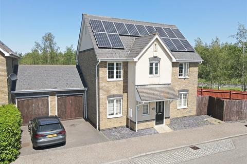 4 bedroom detached house for sale - Carisbrooke Way, Kingsmead, Milton Keynes