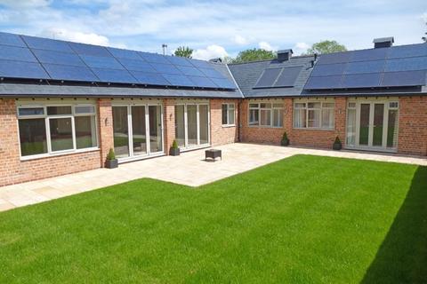 4 bedroom house to rent - Charlton Kings GL52 6UY