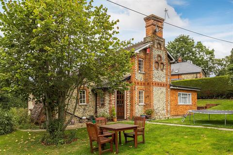 2 bedroom cottage to rent - Lynx Hill East Horsley