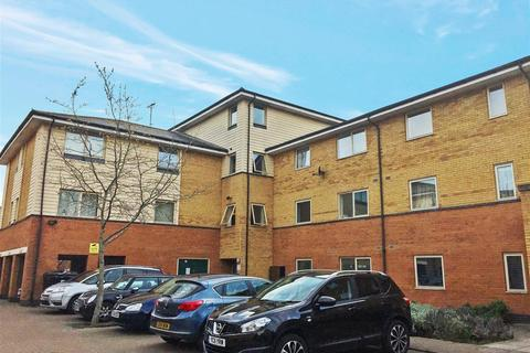 2 bedroom apartment to rent - Orton Grove, Enfield