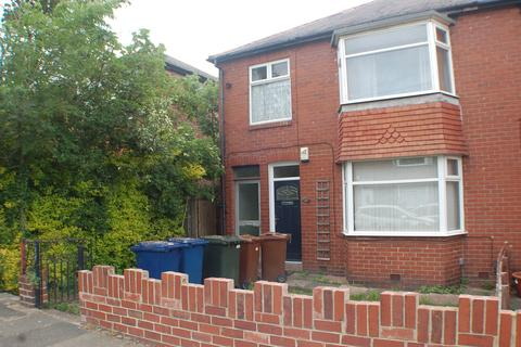 3 bedroom flat to rent - St. Albans Crescent, Heaton, Newcastle upon Tyne, Tyne and Wear, NE6 5UQ